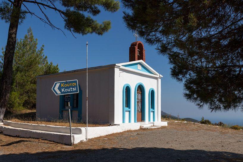 Oud wit kerkje op Samos van Elly Damen
