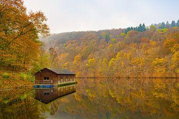 Herbst am Nisramont-See von Jim De Sitter