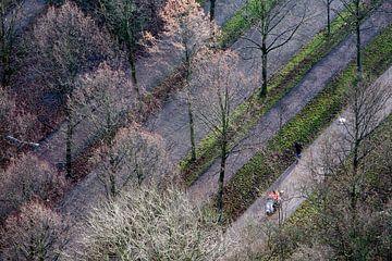Luchtfoto van parallelle fietspaden en wegen van Peter de Kievith Fotografie