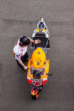 TT Assen MotoGP, Marc Marquez van Ralph van Houten