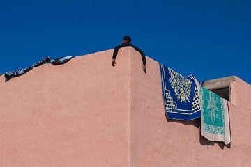 Oude stadsmuur Marrakech van Malou Franken