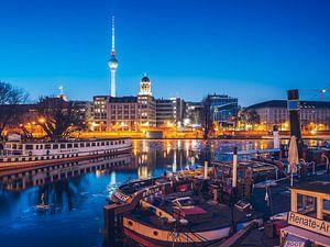 Berlin in Winter – Historischer Hafen Museum Harbour van
