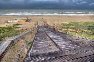 Trap naar het strand bij Wassenaar van Jan Kranendonk