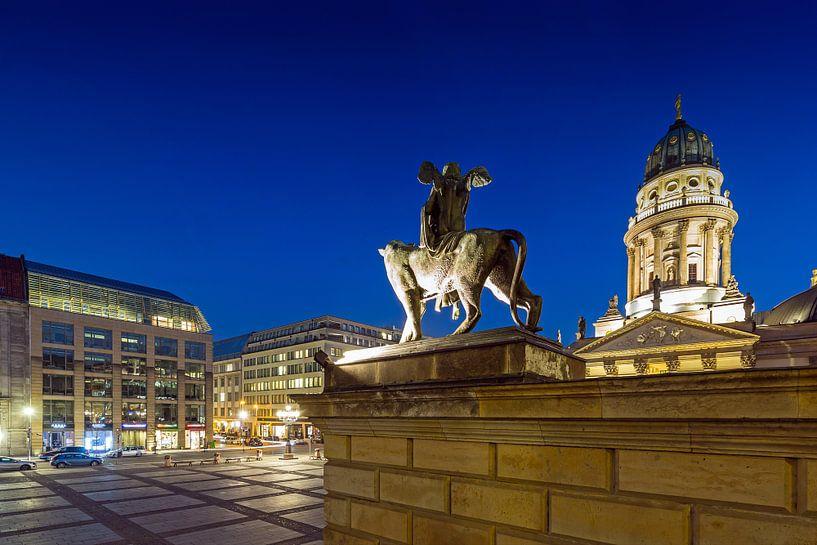 Berlijnse Gendarmenmarkt - Duitse Dom en beeldhouwkunst van Frank Herrmann