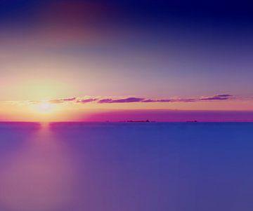 Zonnen en ondergang boven de Atlantische Oceaan van