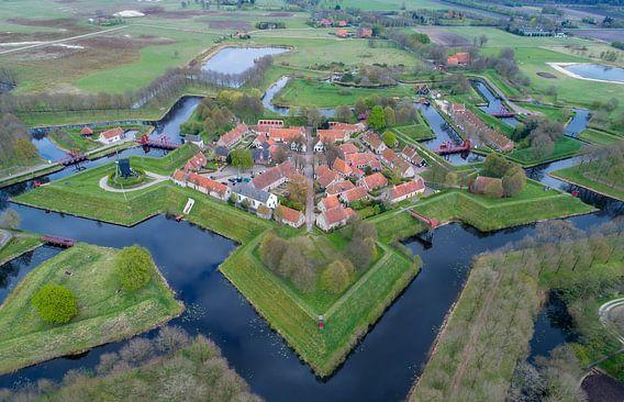 Landschap vanuit de lucht Bourtange vestingdorp van Marcel Kerdijk