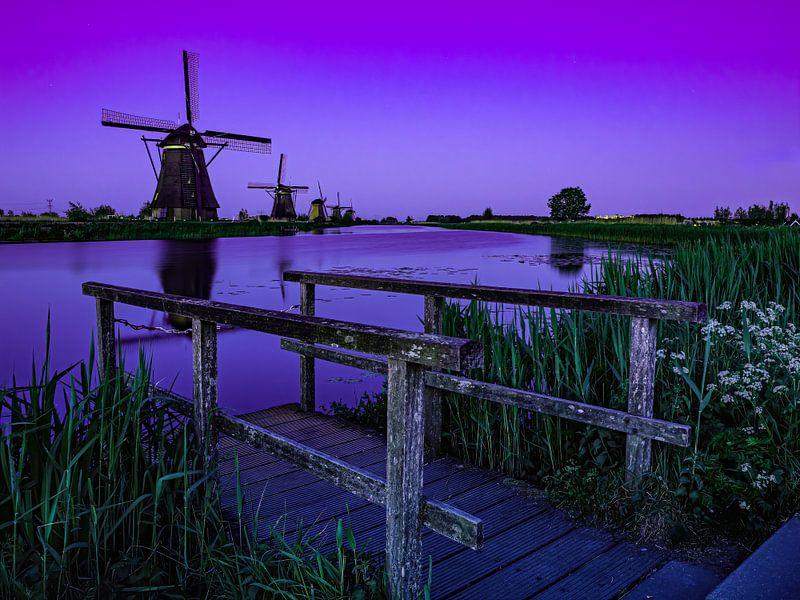 Het blauwe uurtje op Kinderdijk van Jan Enthoven Fotografie