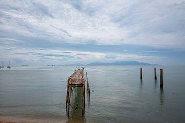 Het strand van Bophut van het Vissersdorp, Koh samui, Thailand van Tjeerd Kruse
