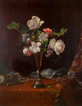 Gemischte Blumen mit einer Schachtel und Perlen, Martin Johnson Heade