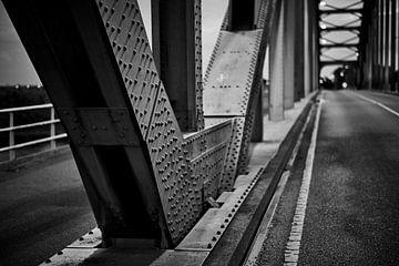 Detail der Zwolle-IJssel-Brücke in Schwarzweiß von Jenco van Zalk