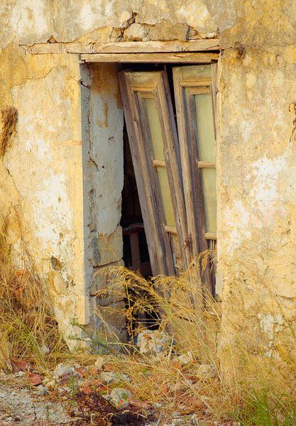 The old door van Tonny Visser-Vink