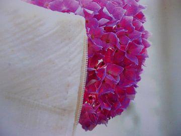 Bruidsjurk met hortensia van Birdy May