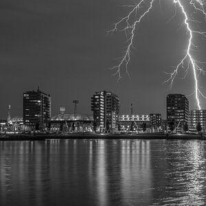 Stadion Feyenoord met onweer 9