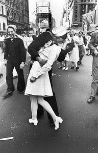 War time kiss