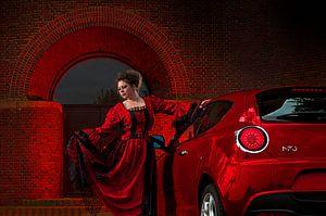 Rode jurk vs rode Alfa Romeo MiTo