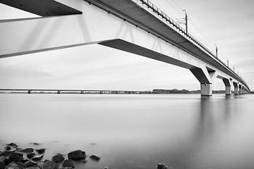 Hoge snelheidslijn Moerdijk over het Hollands Diep van Jan van der Vlies
