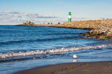 Mole an der Ostseeküste in Warnemünde von Rico Ködder