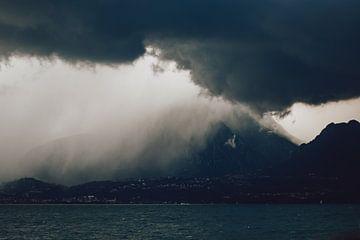 Gardameer storm van Eva Ruiten