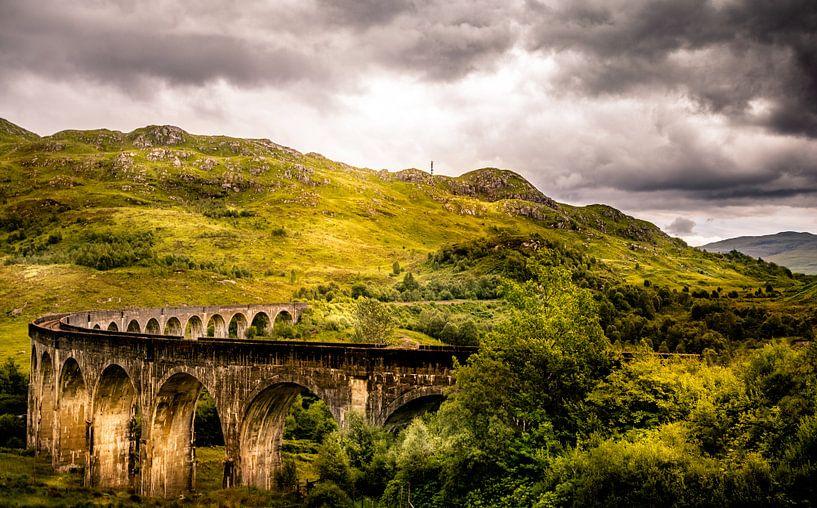 Glenfinnan Viaduct (The Harry Potter bridge) van Dennis Wardenburg