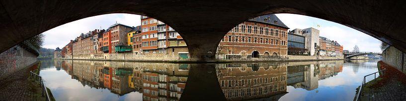 Under The Bridge van Dennis Van Den Elzen