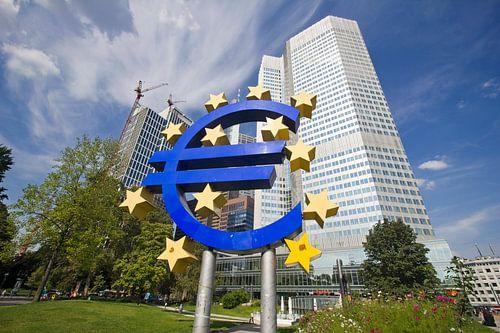 Euro teken in Frankfurt, Duitsland van