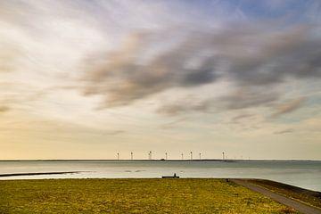 Hollandse wolkenlucht boven Oosterschelde van Emajeur Fotografie