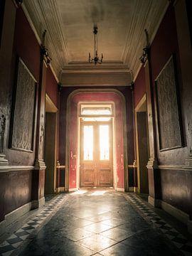 Hallway in Abandoned Hotel, Belgium von Art By Dominic