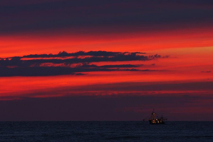 boot op zee van Dirk van Egmond