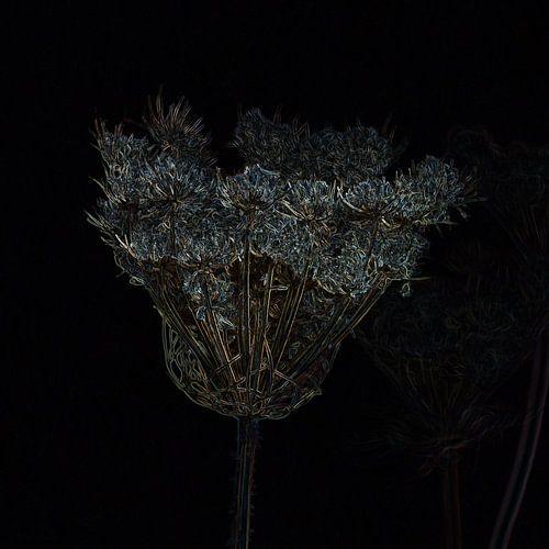 Gedroogde bloemen die glinsteren als kristal en goud