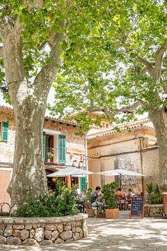 Gezellig plein met terras op Mallorca