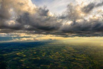 Knapp unter den Wolken von Denis Feiner