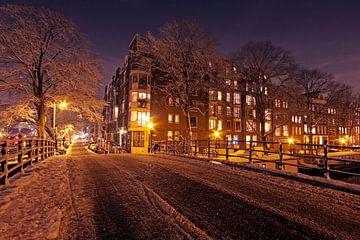 Amsterdam enneigée en hiver aux Pays-Bas sur Nisangha Masselink