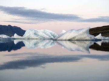 Wunderschöne Eisberge in Island