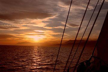 Zeilen bij zonsondergang van Jewel Morgan
