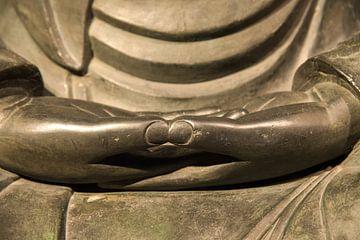 handen in meditatiehouding, dhyana mudra, Japanse Buddha van Jan Fritz