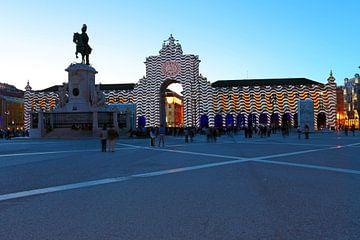 Praca de Comercio in Lissabon Portugal bei Sonnenuntergang von Nisangha Masselink