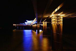 Teehaus bei Nacht