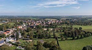 Luchtpanorama van Eckelrade in Zuid-Limburg van John Kreukniet