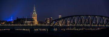 Nijmegen bij nacht van Henk Verheyen
