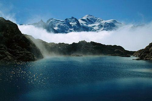 Un lac au Mont-Blanc sur