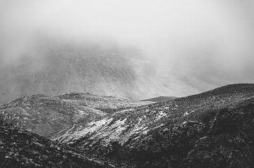 Niedrige Wolken in den Bergen | Island von Photolovers reisfotografie
