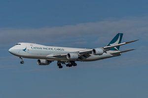 Boeing 747-8 Cargo van Cathay Pacific in de landing op de Zwanenburgbaan van Schiphol  gefotografeer