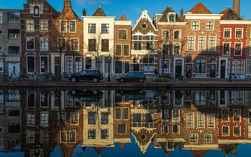 Reflectie in Leidse grachten von Richard Steenvoorden
