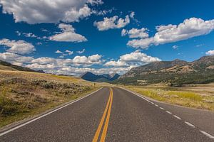 Endless roads in Yellowstone NP