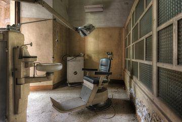 Beim Zahnarzt von Perry Wiertz