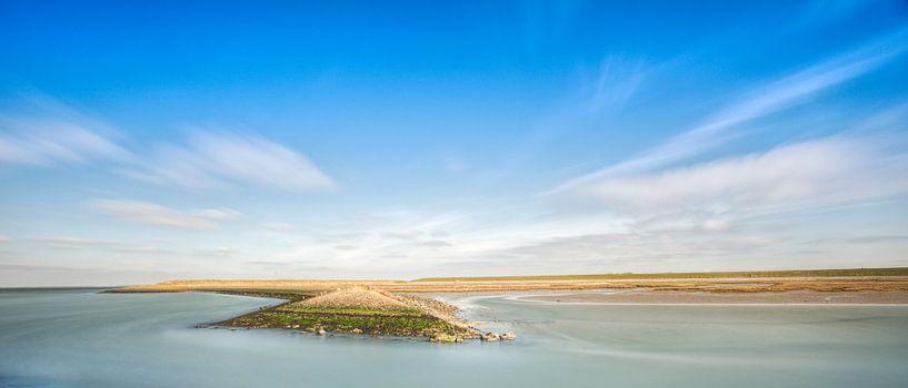 De loop van de de kustlijn. van Pieter van Roijen
