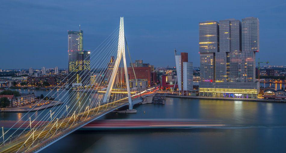 Under the Bridge van Rene Ladenius