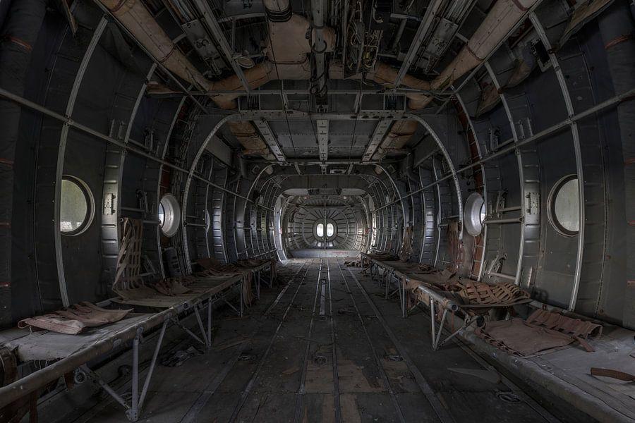 Verlaten vliegtuig van Kristel van de Laar
