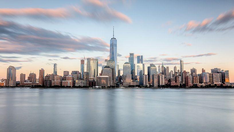 New york city skyline tijdens zonsondergang van Marieke Feenstra
