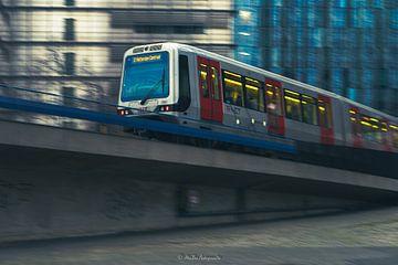 Metro Rotterdam von Mehmet Buyukyilmaz